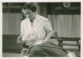 Kvinnan tar befälet - image 41