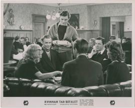 Kvinnan tar befälet - image 28