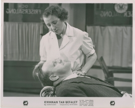 Kvinnan tar befälet - image 31