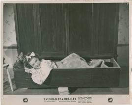 Kvinnan tar befälet - image 43