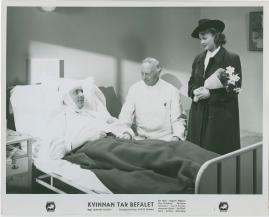 Kvinnan tar befälet - image 35