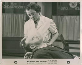 Kvinnan tar befälet - image 8