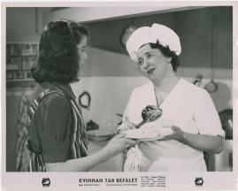 Kvinnan tar befälet - image 39