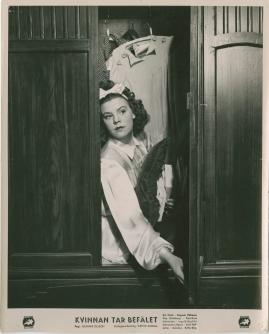 Kvinnan tar befälet - image 49