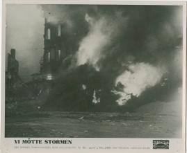 Vi mötte stormen : En bildkavalkad från den stora ofredens år - image 23