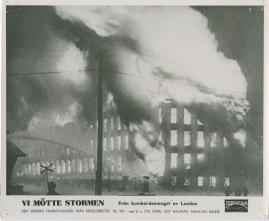 Vi mötte stormen : En bildkavalkad från den stora ofredens år - image 25