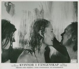 Kvinnor i fångenskap - image 50
