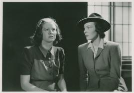 Kvinnor i fångenskap - image 20