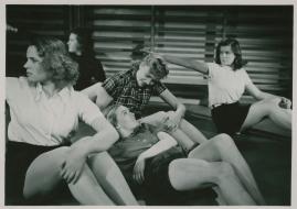 Kvinnor i fångenskap - image 45