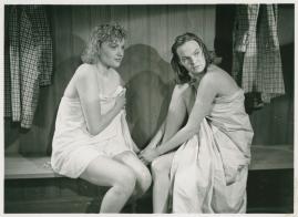 Kvinnor i fångenskap - image 46