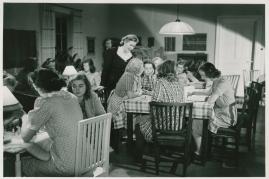 Kvinnor i fångenskap - image 78