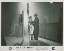 Flickor i hamn - image 18