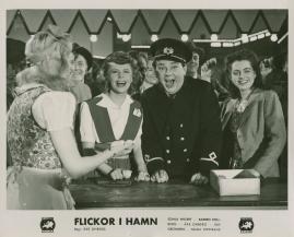 Flickor i hamn - image 60