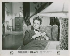 Flickor i hamn - image 8