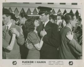 Flickor i hamn - image 53
