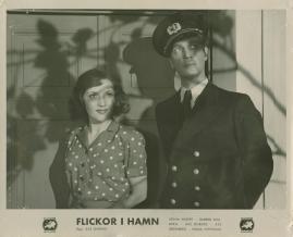 Flickor i hamn - image 54