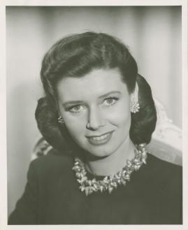 Elsie Albiin - image 31