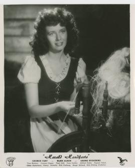 Elsie Albiin - image 13