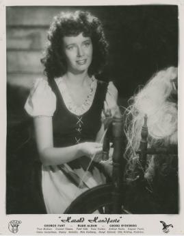 Elsie Albiin - image 5