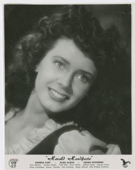 Elsie Albiin - image 14