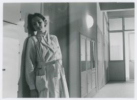 Kvinna i vitt - image 69