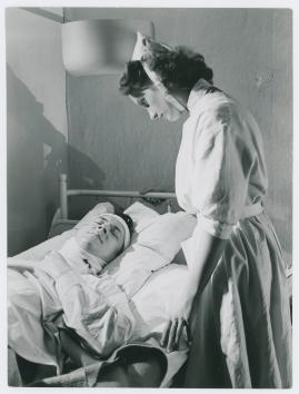 Kvinna i vitt - image 19
