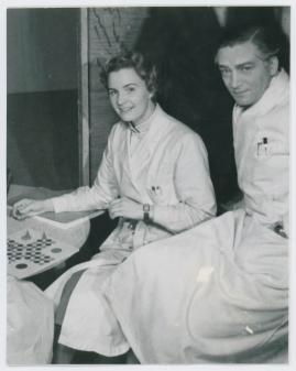 Kvinna i vitt - image 42