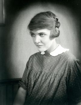 Astrid Holm