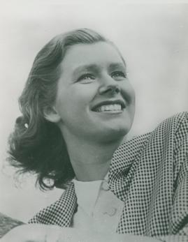 Elsie Albiin - image 1