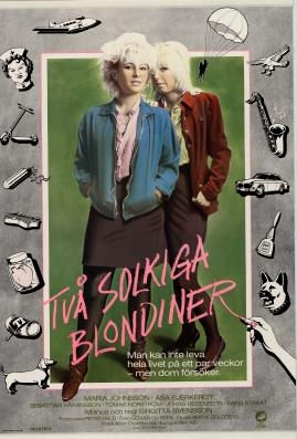 Två solkiga blondiner